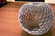Objekt s názvem Zakázané ovoce se skládá z pěti stovek malých kousků. Ondřeje Olivu k ní inspirovalo kulinářské prostředí.