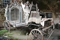 Pohřební kočár, který Kunovice věnovaly hradišťskému Slováckému muzeu.