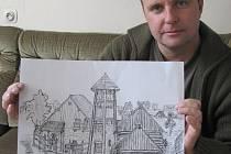 Starosta Modré ukazuje na náčrtu zamýšlenou stavbu strážní a obranné věže, která přibude ve skanzenu.