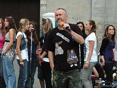 Jan Gajdošík a Svatý Pluk. Ilustrační foto.