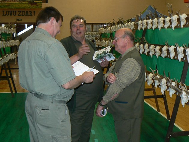 V Nivnici obdivovali návštěvníci přehlídky trofejí úlovky členů regionálních mysliveckých spolků.
