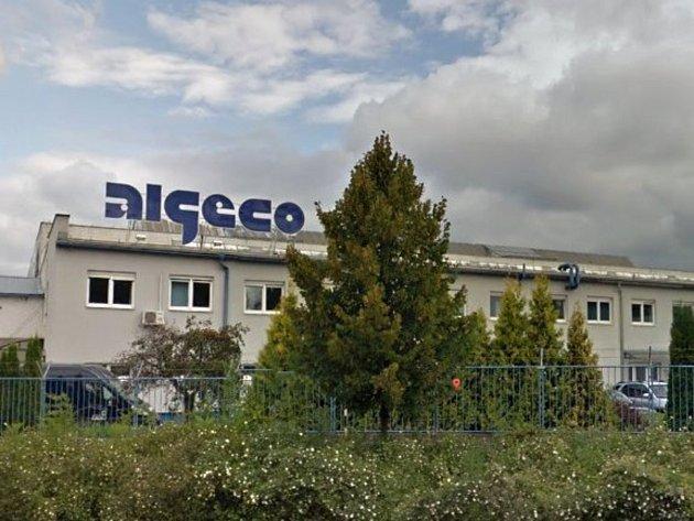 Algeco zaměstnává 100 lidí.