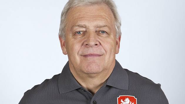 Dlouholetý fotbalový masér Jaroslav, který dříve působil v Ostravě nebo v Karviné, si angažmá na Slovácku užívá.
