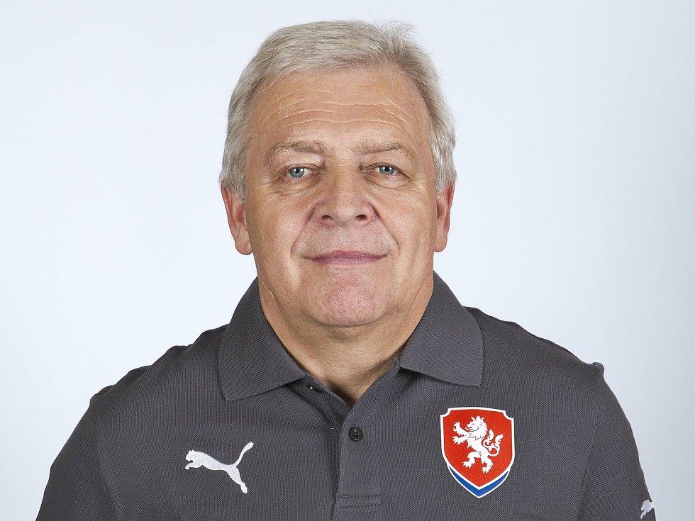 Dlouholetý fotbalový masér Jaroslav Marx,, který dříve působil v Ostravě nebo v Karviné, si angažmá na Slovácku užívá.