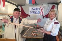 Josef a Ludmila Grebík ze Strání, žijící v Rakousku, na fašanku v rodném Strání.