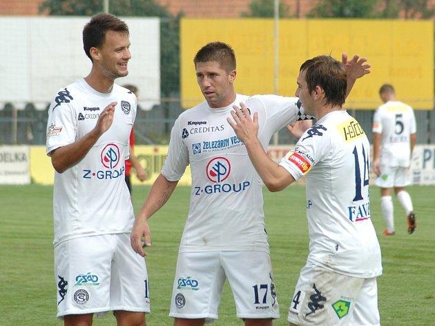 1. FC Slovácko B. Tři střelci Slovácka B - zleva Martin Holek, Veliče Šumulikoski a Roman Haša.