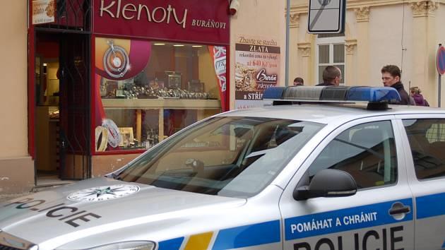 Přepadení zlatnictví na pěší zóně v Uh. Hradišti.
