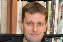 Etnomuzikolog Petr Číhal.