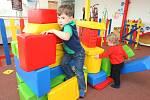 Před či po koupání si děti mohou vyhrát v dětském koutku.