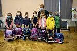 V letošním školním roce nastoupilo do malotřídky v Horním Němčí 7 prvňáčků, které povede třídní učitelka PaedDr. Miroslava Končitíková. Celkově bude letos ZŠ Horní Němčí navštěvovat 41 žáků v pěti ročnících a 4 třídách.