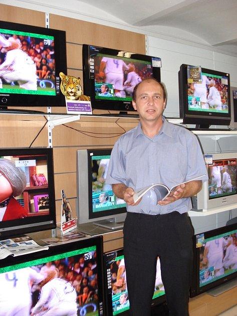 POKROK. Ještě před pěti lety byly LCD televizory velkou neznámou. Dnes je nabízený sortiment obrovský a za přijatelné ceny.