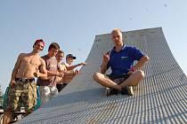 Organizátor třetího ročníku akce a zároveň hlucký freestyle jezdec Zdeněk Fusek (zcela vpravo).