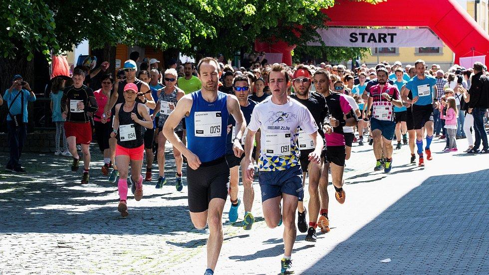Pro paměť národa běželi v Uherském Hradišti.Odstartováno.