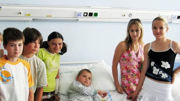 Zábava i poučení, tak vypadala exkurze šesťáků na dětském oddělení Uherskohradišťské nemocnice.
