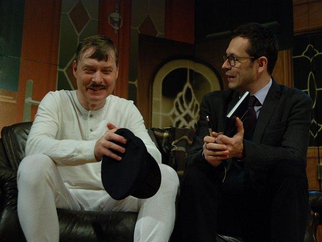Josef Kubáník (vpravo) se s Pavlem Hromádkou potkal na jevišti už ve hře Nájemníci.