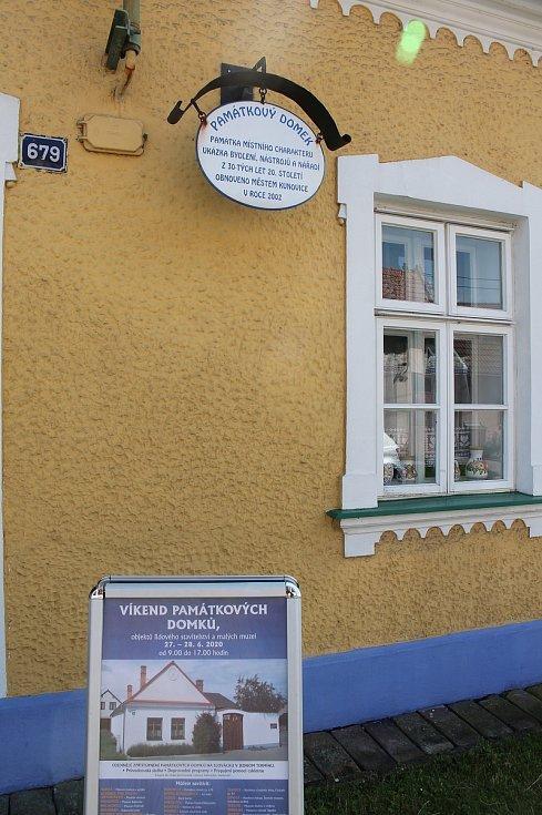 Otevření památných domků na Slovácku 27. - 28.6. 2020.Památkový domek v ulici Záhumní Kunovice