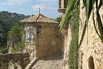 Středověk, ulice v Biotu.