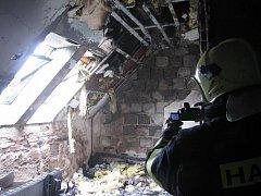 Požář opuštěného domu v Uherském Hradišti, Mařaticích.