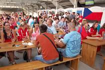 Čtvrtfinále evropského šampionátu sledovaly asi tři stovky lidí.