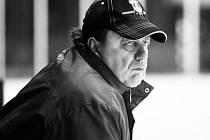 Ve věku nedožitých 64 let náhle zemřel předseda hokejového klubu HOKEJ Uherský Ostroh Lubomír Procházka.