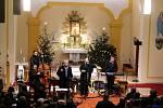 Novoroční koncert Hradišťanu a Jiřího Pavlici uvítali v kostele sv. Jakuba Staršího ve Vlčnově.