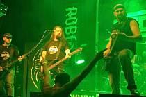 Na ROBfestu 2014 v Dolním Němčí zahrála po devíti letech také místní rocková legenda Dagnes.
