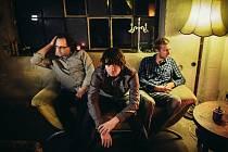 Trio se skládá z Eduarda Tomaštíka, Michala Krystýnka a Jakuba Nožičky.