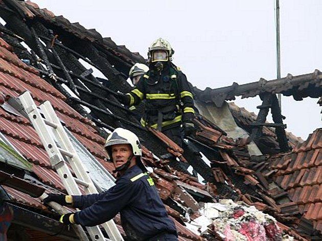 Požár rodinného domu v Rakové na Zlínsku.