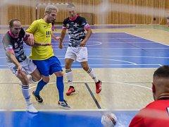 Futsalisté Uherského Hradiště v premiéře ve VARTA lize zvítězili na palubovce dalšího nováčka z Ostravy 3:1.