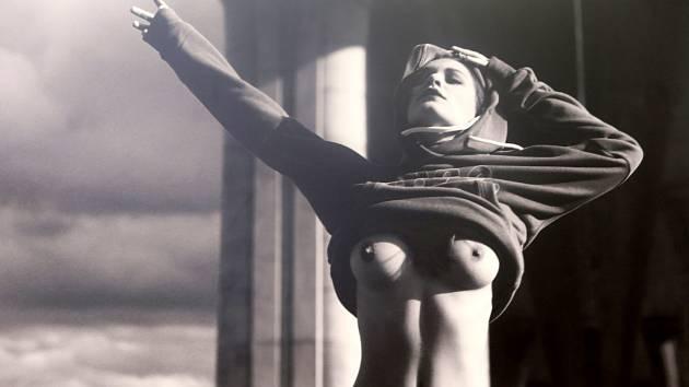 Expozice s názvem #MENEITHER herce a fotografa Hynka Čermáka