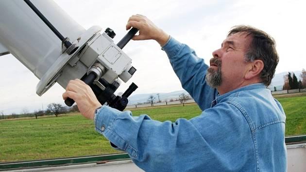 Ředitel uherskobrodské hvězdárny a astronom Rostislav Rajchl.