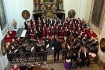 Requiem od Wolfganga Amadea Mozarta rozezní zdi kostela