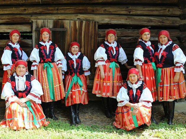 Ženský sbor funguje od roku 2003.
