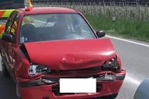 Srážku dvou osobních aut u Nového dvora - Rasové odnesla jedna osoba zraněním.
