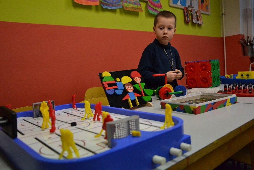Rodiče budoucích prváků mohli ve středu zjistit, jakým životem uherskohradišťská základní škola Sportovní žije.