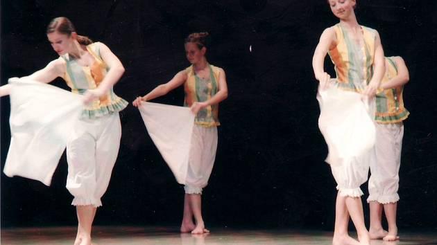 Tanečníci na jeden večer doslova opanovali podium Slováckého divadla.