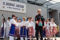 Dětský folklorní soubor Holůbek se představil i s Černým Jankem.