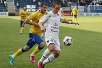 1. FC Slovácko - FK Teplice. Vpravo Jiří Valenta.