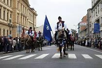 Milan Stašek v čele kunovické doprovodné družiny krále na Slavnostech vína v Uherském Hradišti 11. 9.