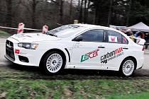 Petr Vraj junior si při druhém závodě rallyslalomu o stupínek pohoršil, v cíli byl jako třetí nejrychlejší.