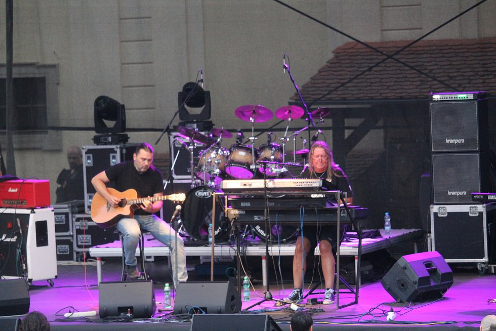 Roman Dragoun byl předskokan při koncertu kapely Stromboli v zámeckém amfiteátru v Buchlovicích.