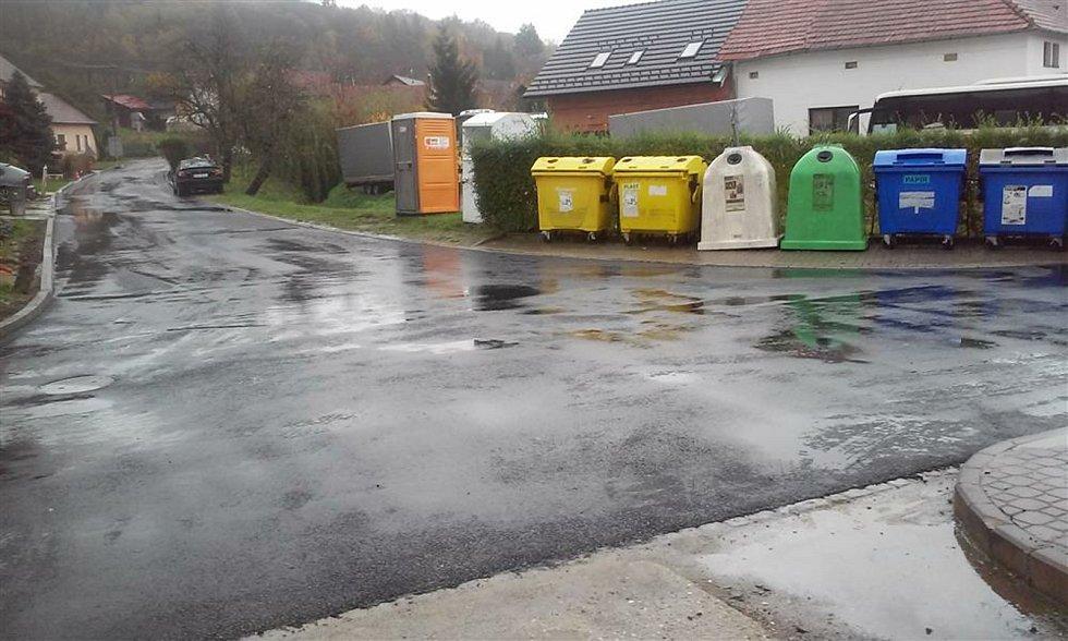 Částkov je vesnička s necelými čtyřmi stovkami obyvatel. Rekonstrukce silnice v Podsedkách.