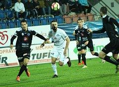 1. FC Slovácko - Hradec Králové. Uprostřed Tomáš Zajíc (v bílém). Ilustrační foto.