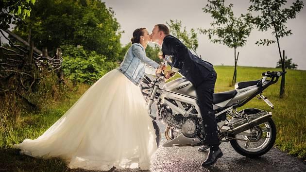 Soutěžní svatební pár číslo 172 - Adéla a Rostislav Velečtí, Bánov