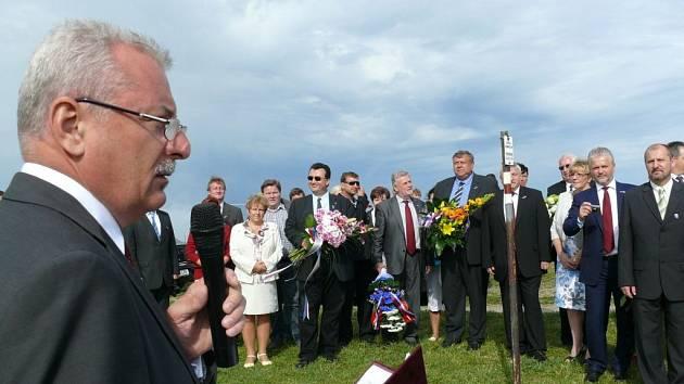 Své bratrství na Velké Javořině v neděli stvrdily stovky Čechů a Slováků. Ilustrační foto