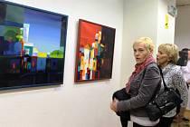 Jubilejní 30. ročník družební výstavy výtvarníků a fotografů z někdejších okresů Uherské Hradiště a Trenčín s názvem Setkání – stretnutie, se ve středu 18. března přesunul z Trenčína do metropole Slovácka.