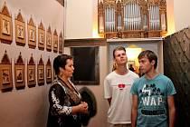 Největší pozornosti návštěvníků výstav ve Stojanově gymnáziu se těšila vězeňská kaple Jana Křtitele z Teplic.
