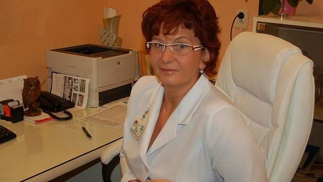 MUDr. Marta Černá je primářkou hematologicko-transfuzního oddělení Uherskohradišťské nemocnice. Kromě jiného má její oddělení na starosti odběry krve v rámci dárcovství kostní dřeně.