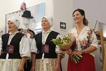 VZAJETÍ KROJOVÉ KRÁSY. Podoby tradičního oděvu a jeho proměny vprůběhu času jsou kvidění vGalerii Joži Uprky vUherském Hradišti.