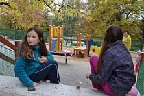 V posledních letech na sídlišti opravili hned několik dětských hřišť.